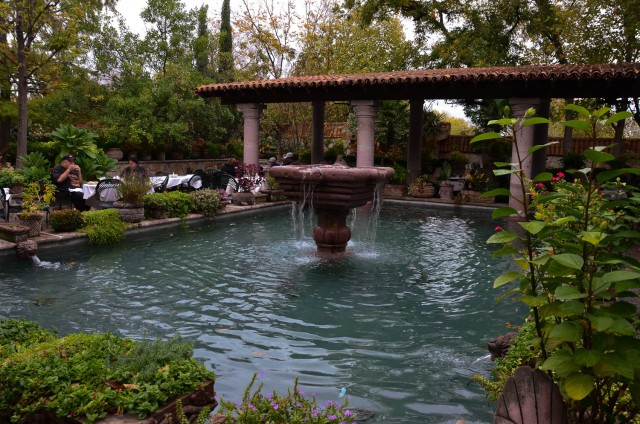 Courtyard fountain at Joe T. Garcias Mexican Restaurant in Fort Worth, Texas. #SeeFortWorth @GetawayMavens