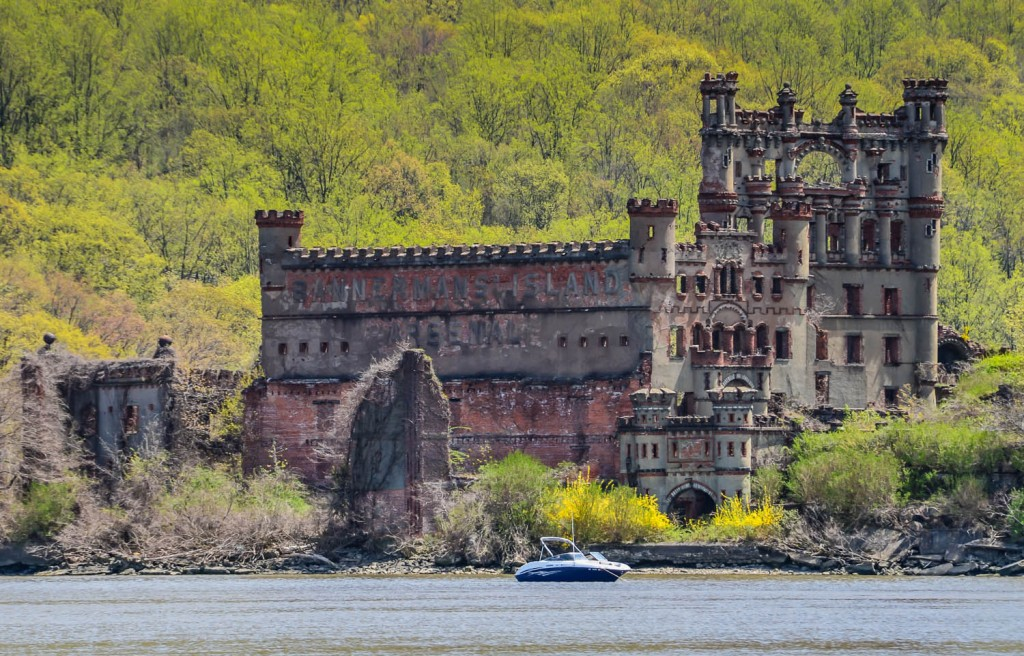 Bannerman Castle ruins on the shore of the Hudson River