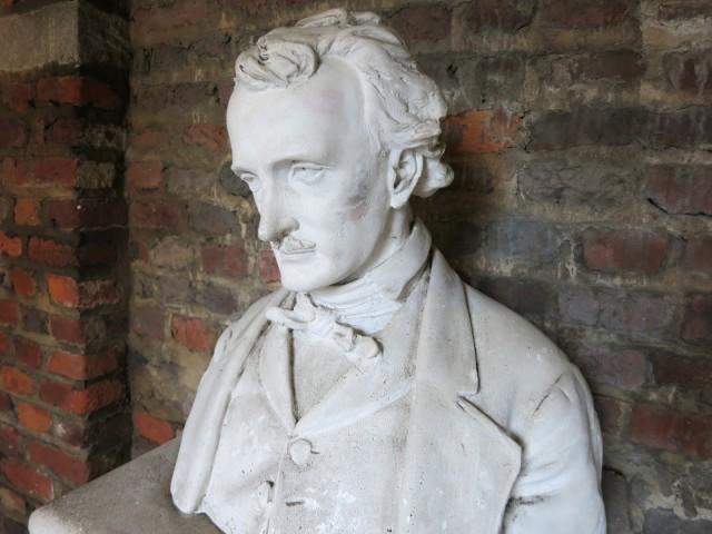 Edgar-Allan-Poe-Bust-Richmond-VA