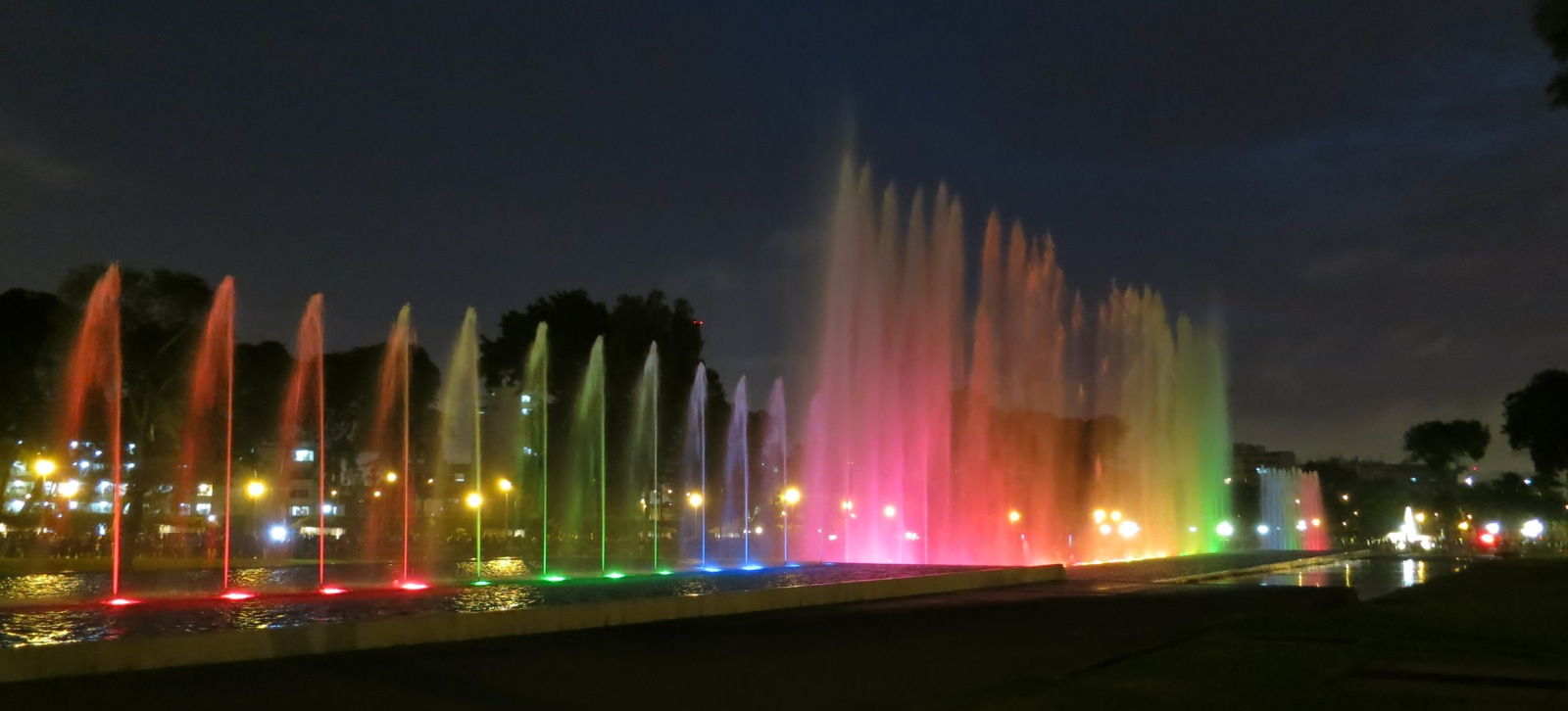 Water fountains lima - Magic Water Circuit Parque De La Reserva Lima Peru