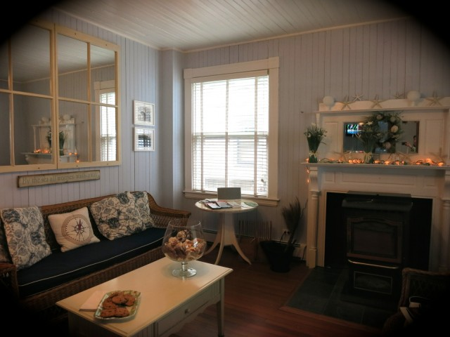 Isabelle's Beach House, Oak Bluffs: Marthas Vineyard MA