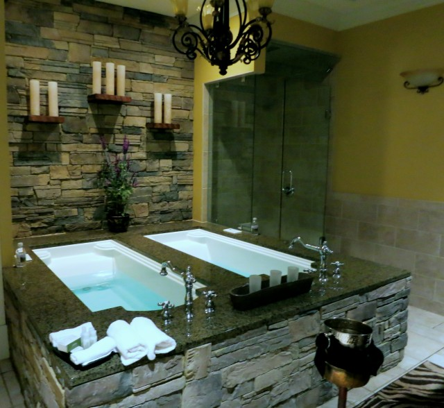 Couples Spa Room, The Martha Hotel