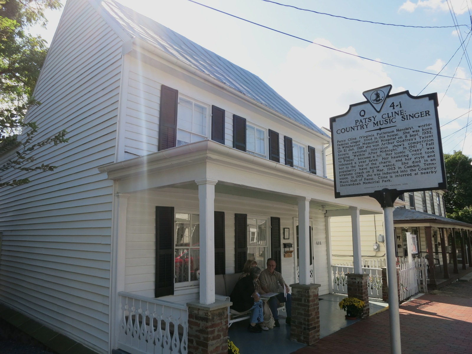 Winchester va patsy cline civil war chaos and great eats for Cline homes