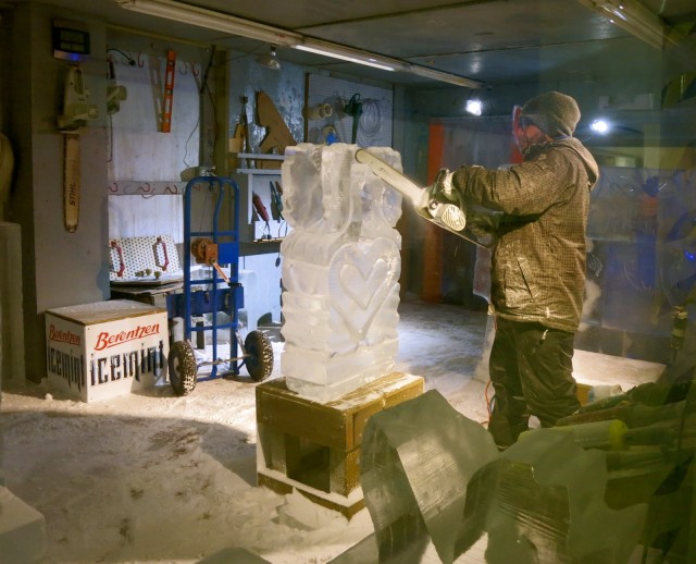 Ice Works, Sculpting