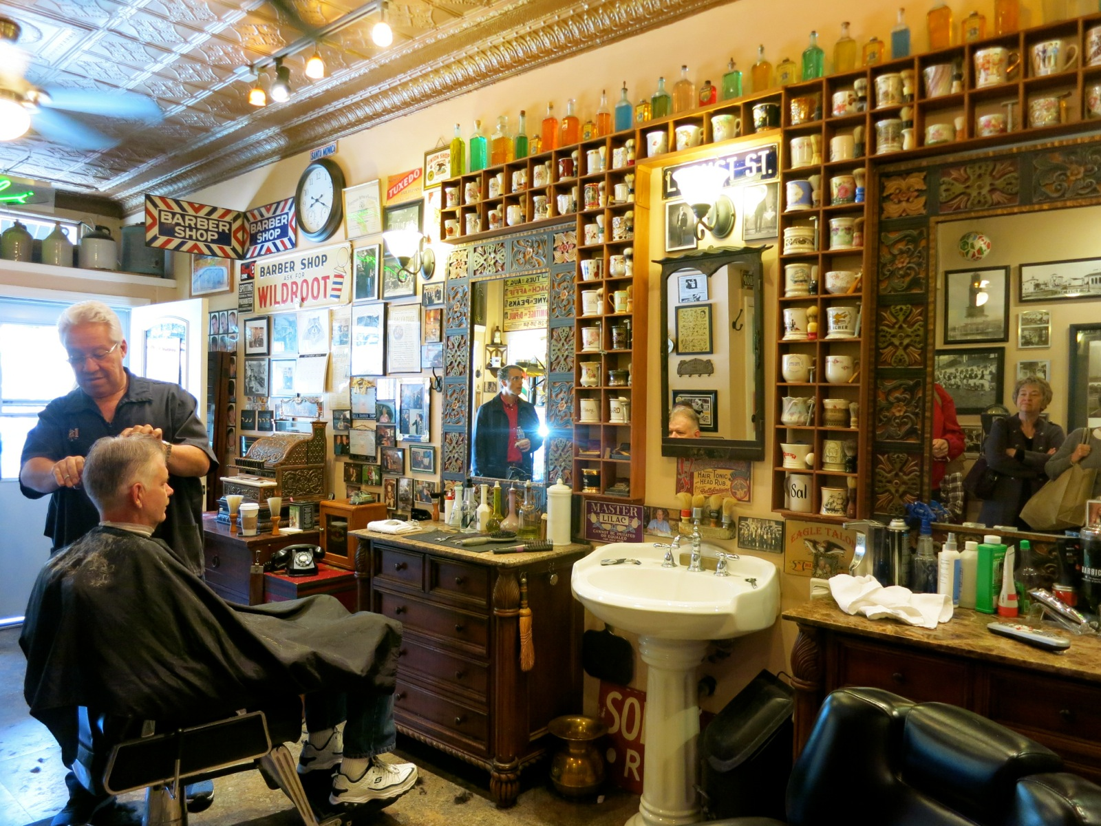 ... his father?s tradition at Sal?s Barber Shop, Pittsburgh PA