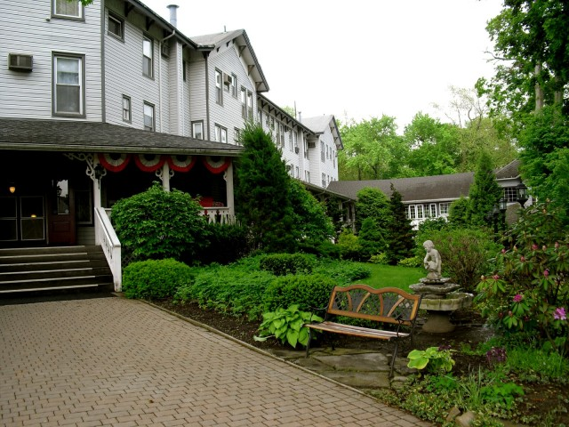 Riverside Inn, Cambridge Springs PA