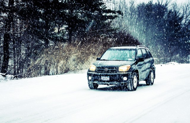 Rav 4 driving in snow
