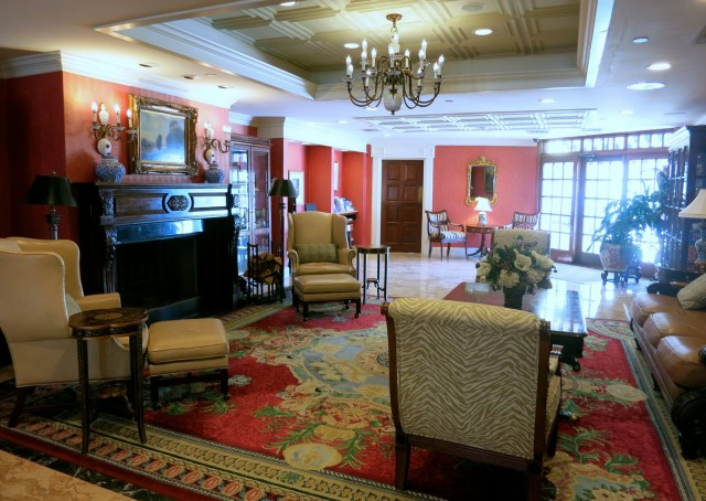 Saybrook Point Inn, Lobby
