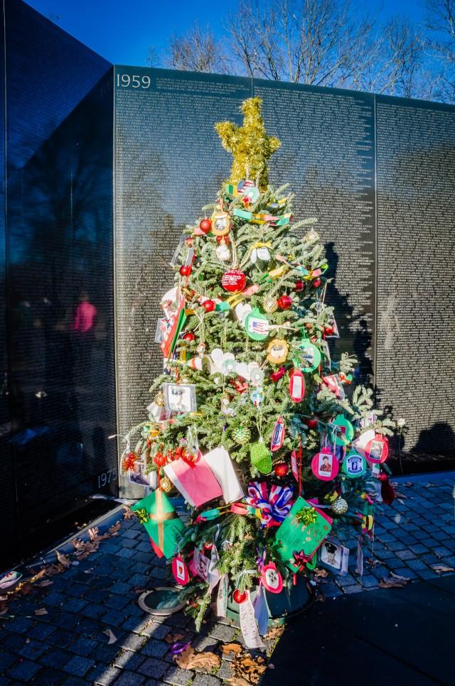 Vietnam Veterans Memorial - Christmas Tree -Washington DC