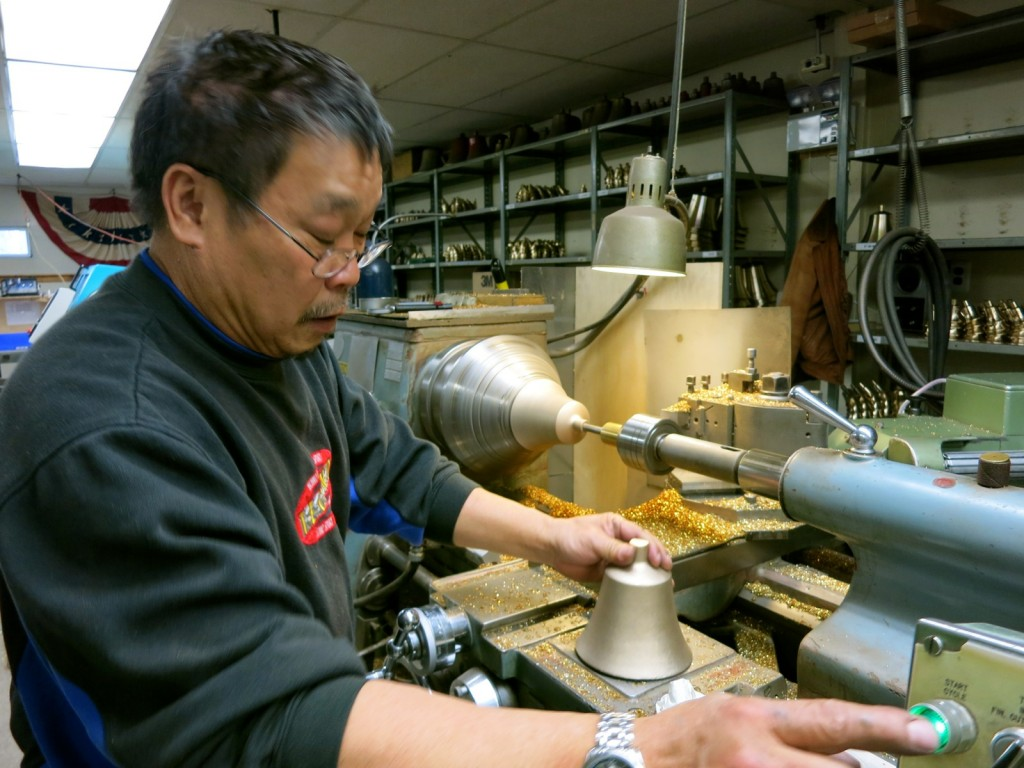 Son Ngyun, Craftsman, Shaving bells from Foundery