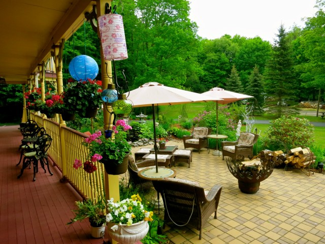 Fairlawn Inn Patio, Hunter NY