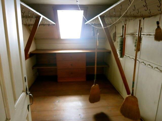 Communal Closet, Canterbury Shaker Village