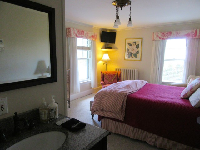 Room, Oxford House Inn, Fryeburg, ME
