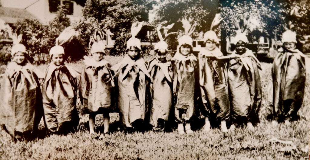 Wethersfield CT children dressed as onions