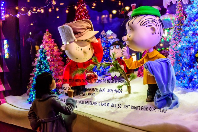 Macys Charlie Brown Christmas holiday window display