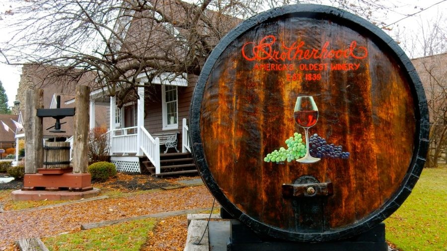 Hudson River Valley, NY: Visit Country's Oldest Winery and Buy Discounted Designer Goods