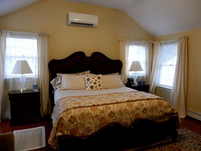 Harmony Hill Room, Caldwell House BnB