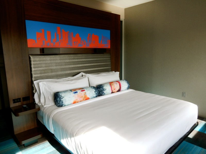 Aloft Bedroom Boston MA