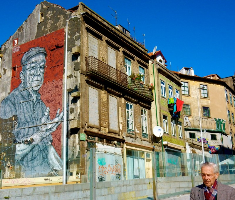 Porto Mural with inadvertent subject, Portugal