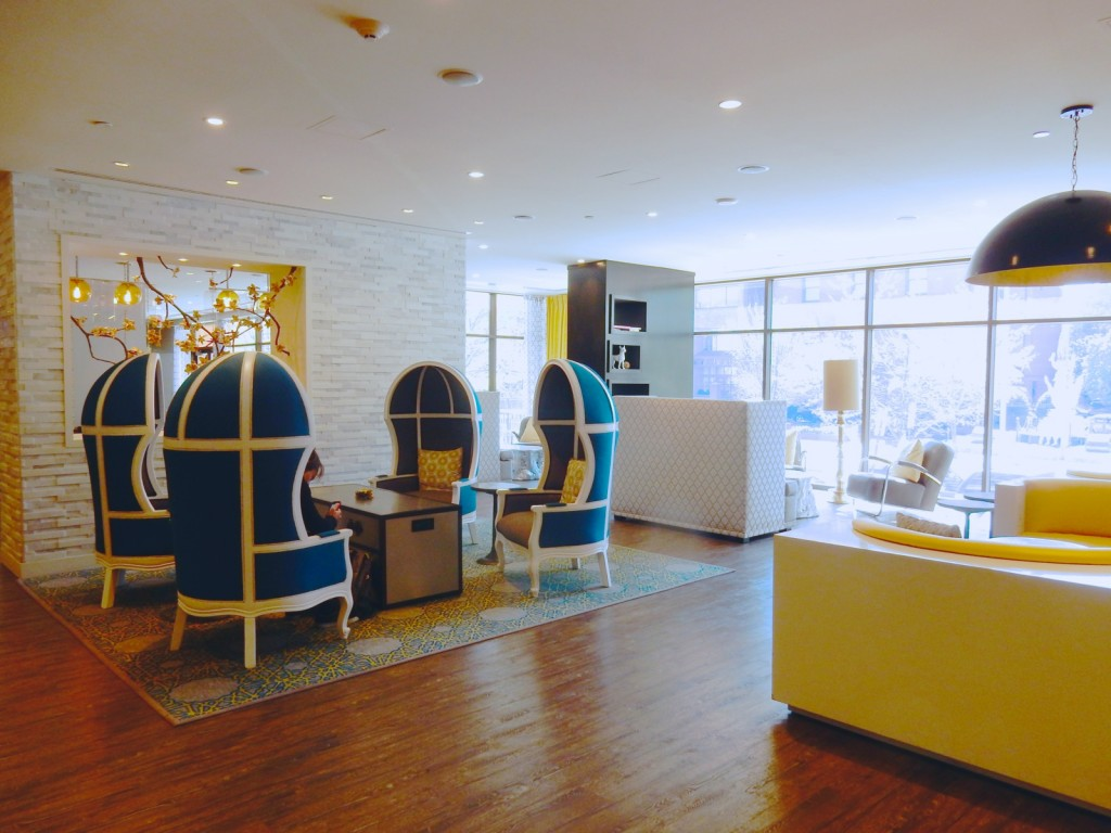 Eierenstoelen, Lobby, Embassy Row Hotel, DC