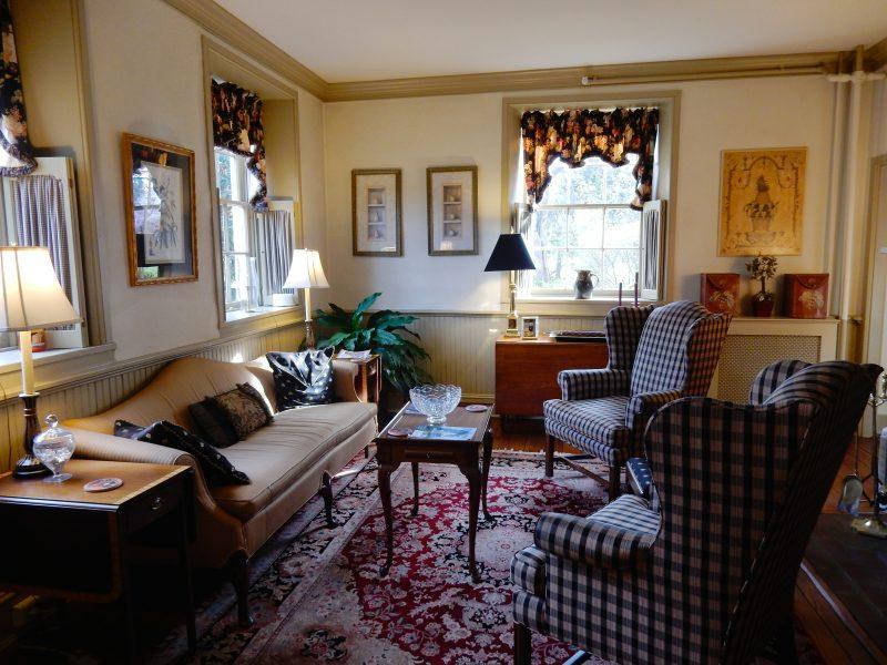 Front Parlor, Wayside Inn, Ellicott City MD #visitmd @GetawayMavens