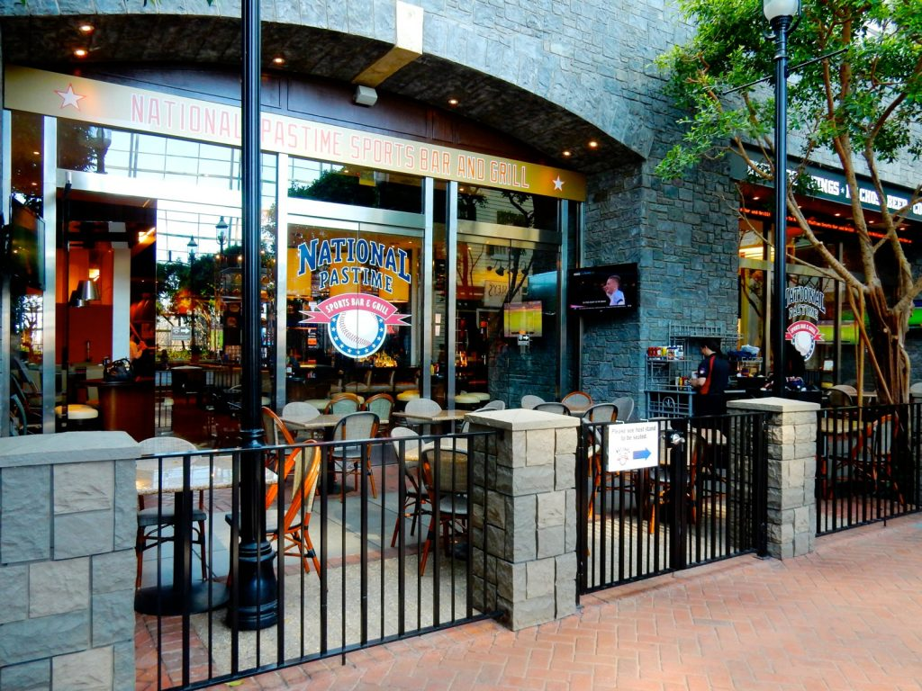 National Pastime Sports Bar, Gaylord National Resort