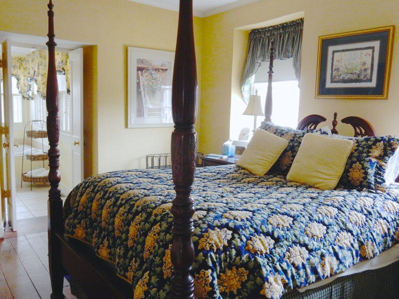 Room at Wayside Inn, Ellicott City MD #visitMD @GetawayMavens