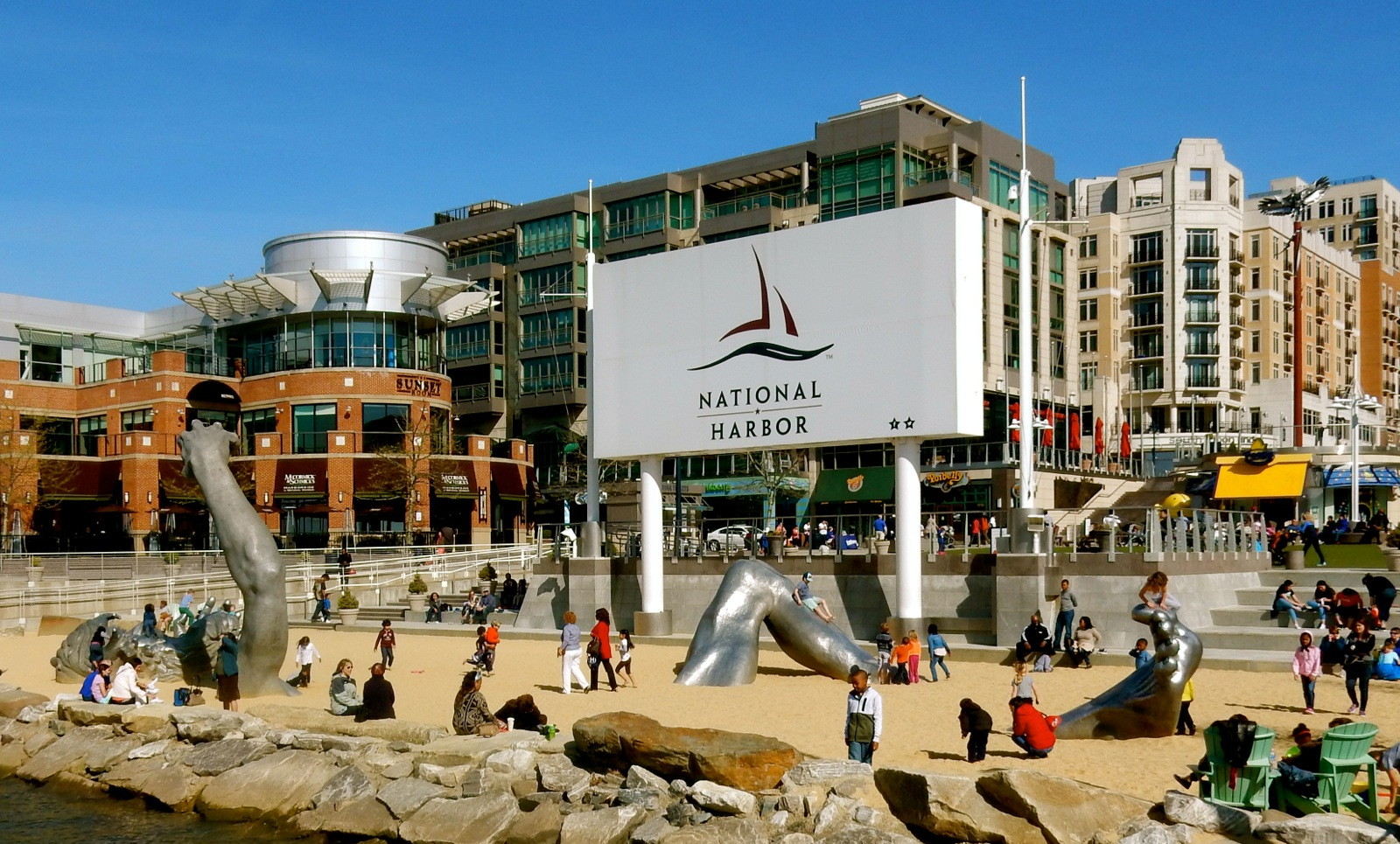 National harbor md a fun dc area town established 2008 for Awakening sculpture national harbor
