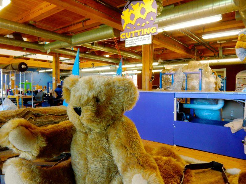 Cutting, Vermont Teddy Bear, VT