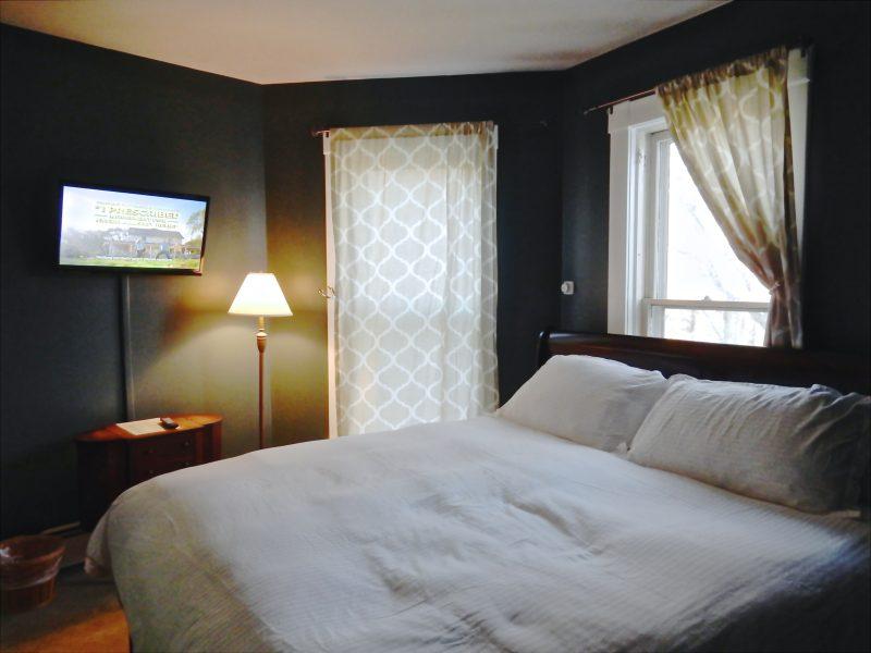 Guestroom, Wilmington Inn and Tavern, Wilmington VT