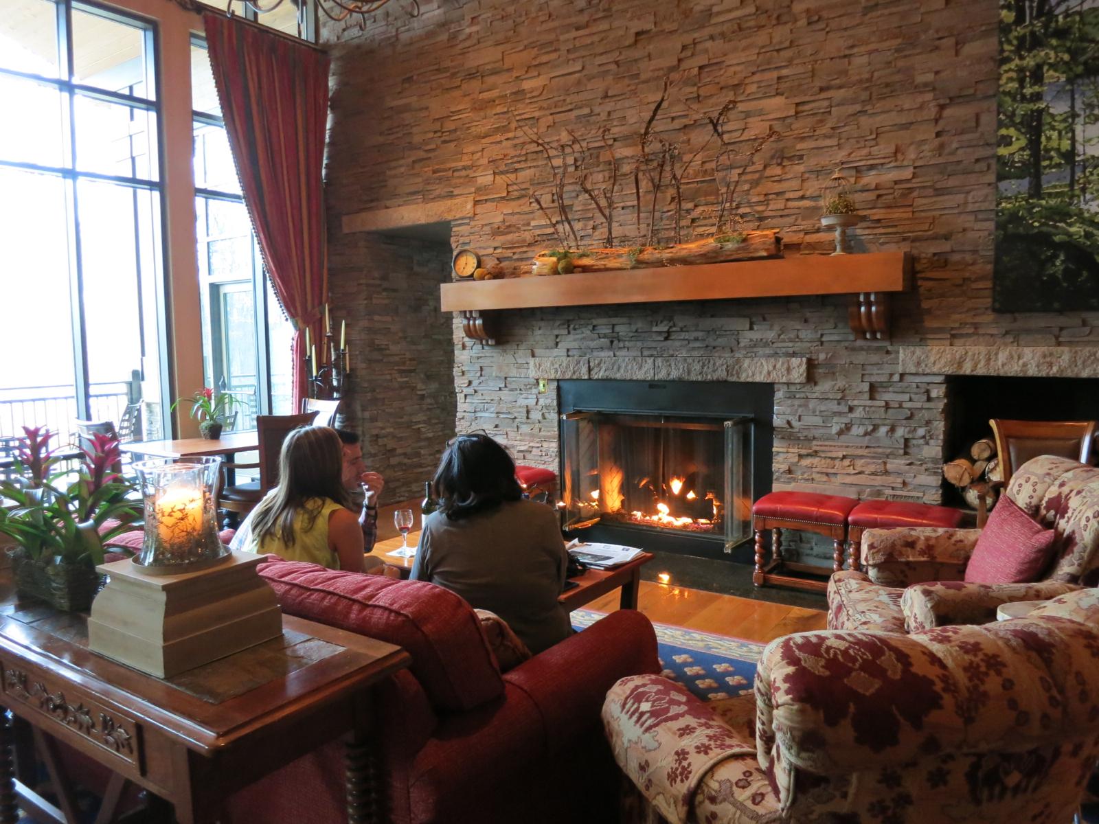 Living Room Lodge At Woodloch Pa Visitpa Getawaymavens