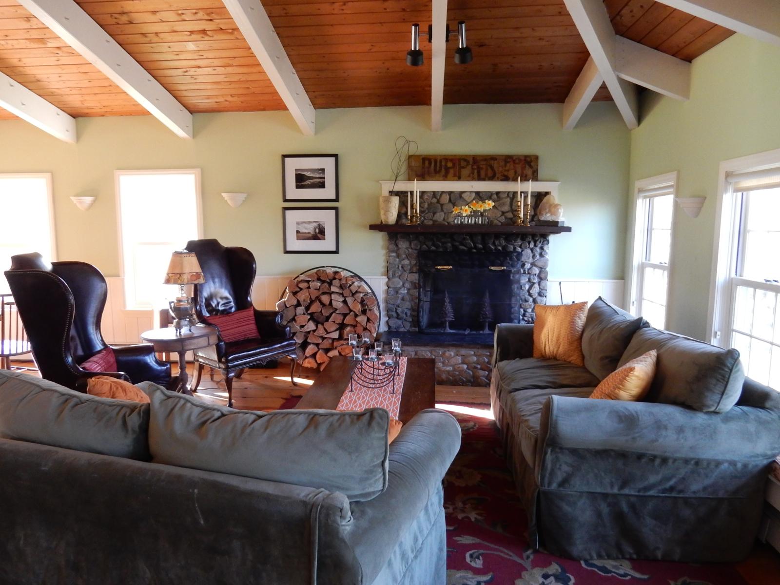 Red clover inn vt hotel review near killington for The family room vermont
