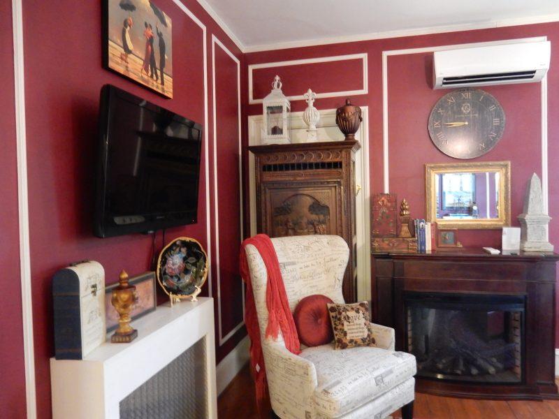 Sitting area, Paris, AV Nickels Inn, Searsport ME