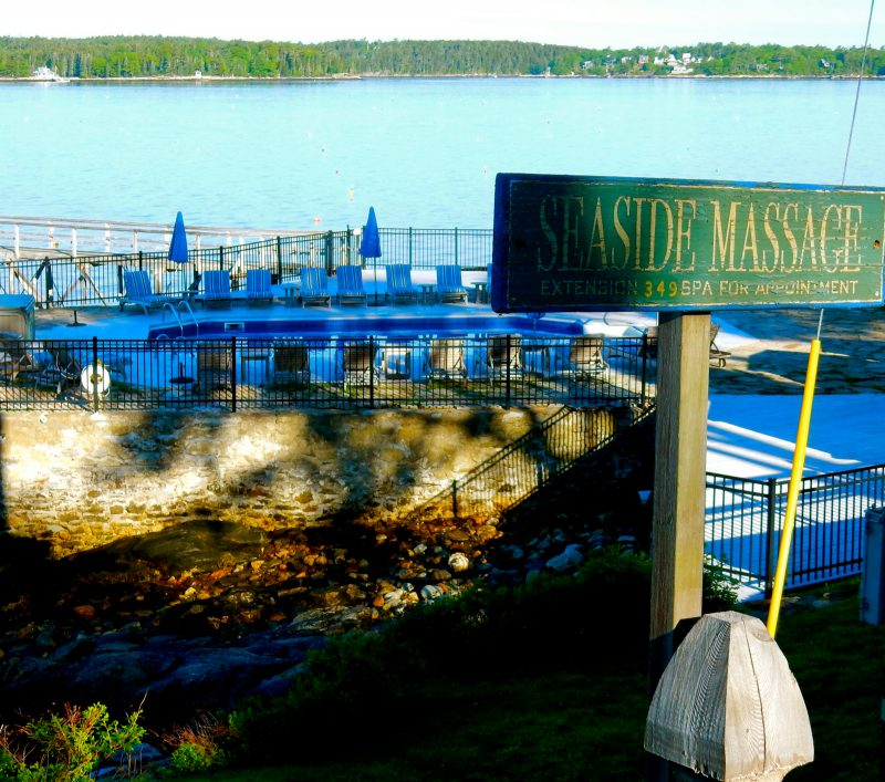 Spruce Point Inn waterside pool
