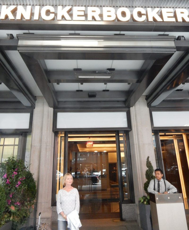 knickerbocker-hotel-entrance-nyc