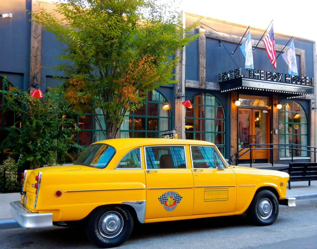 Taxi arrives at hotels in Greenpoint Brooklyn