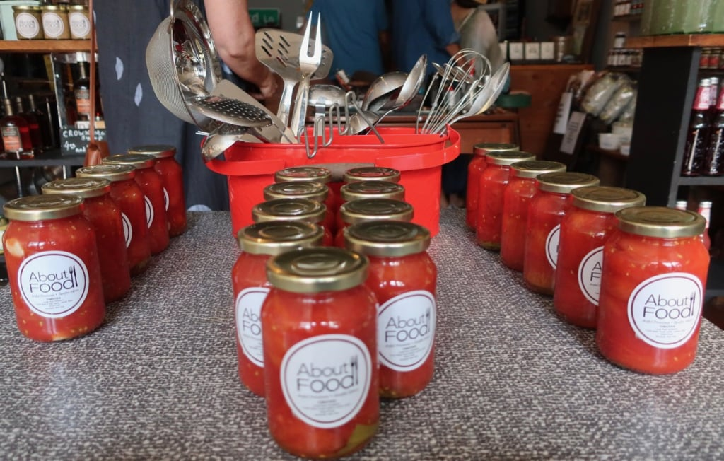 About Food shop jarred whole tomatoes Southold NY
