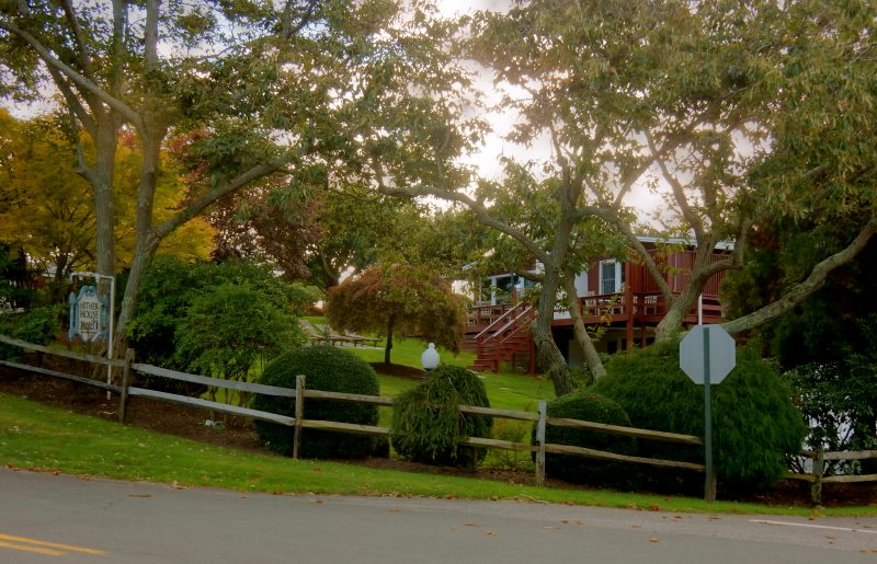 hither-house-from-street-montauk-ny