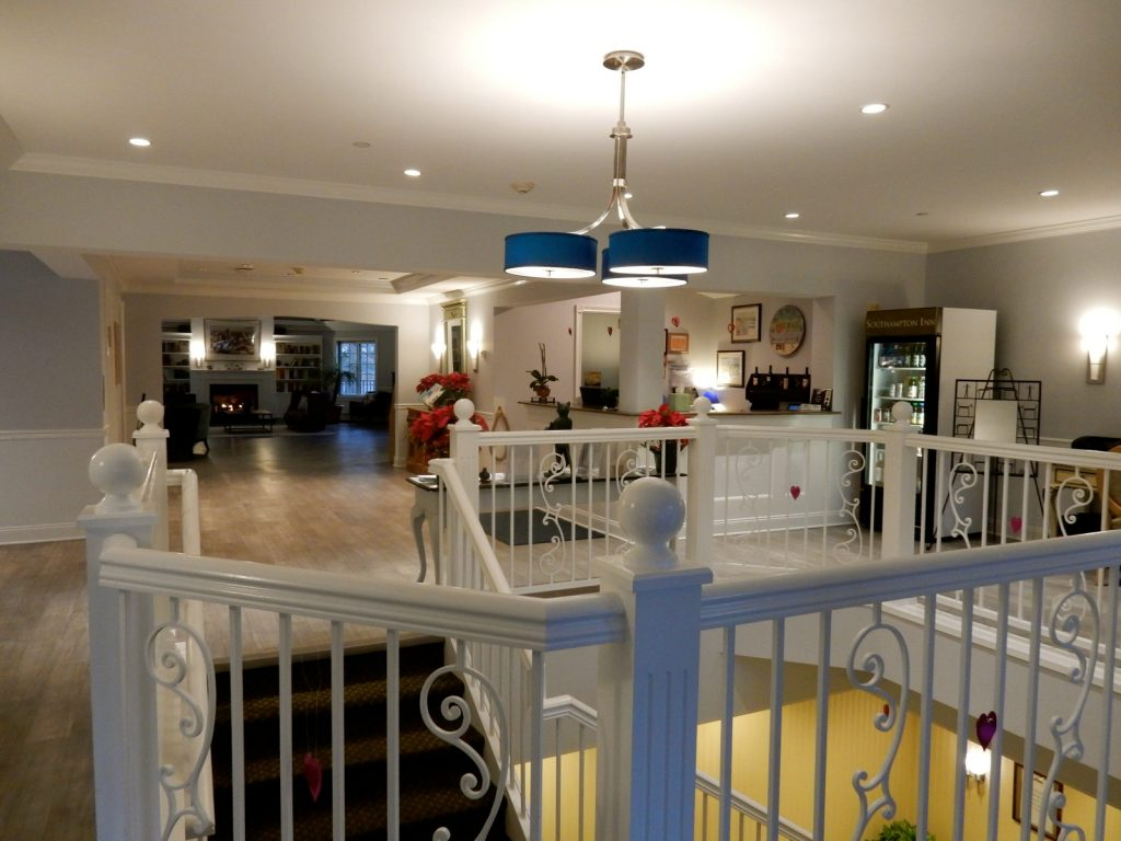 Southampton Inn lobby