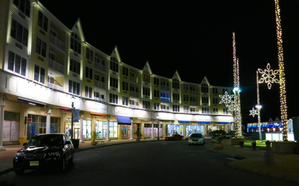 Shops at Pier Village