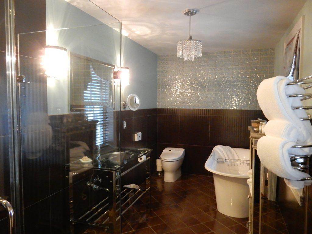 Bathroom, Nick and Nora, Inn Boonsboro MD