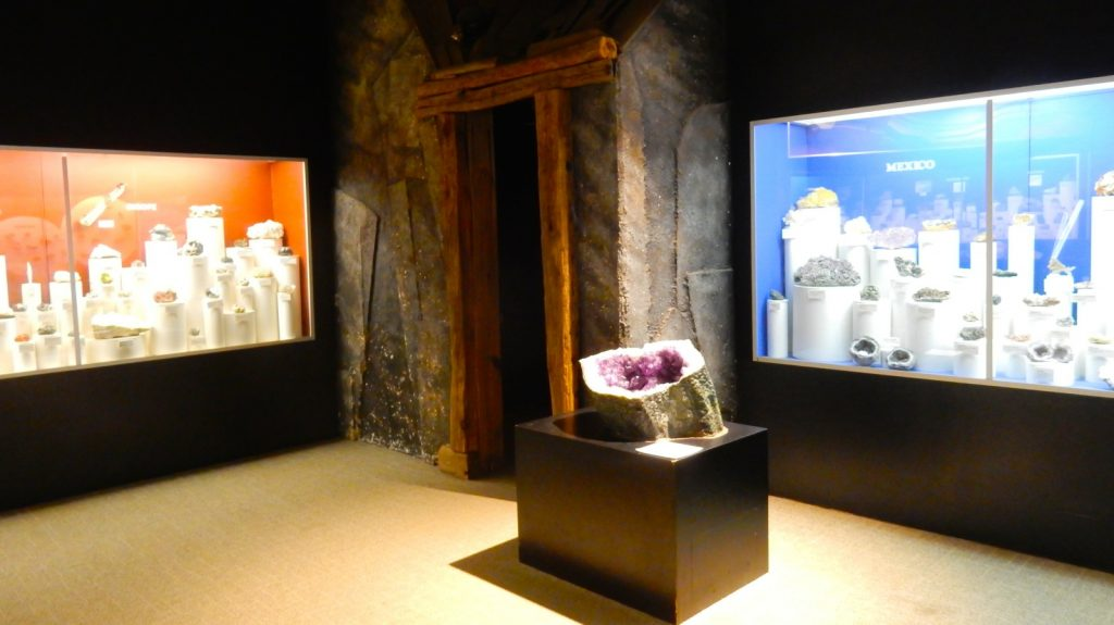 Rocks and Mineral exhibit at Morris Museum