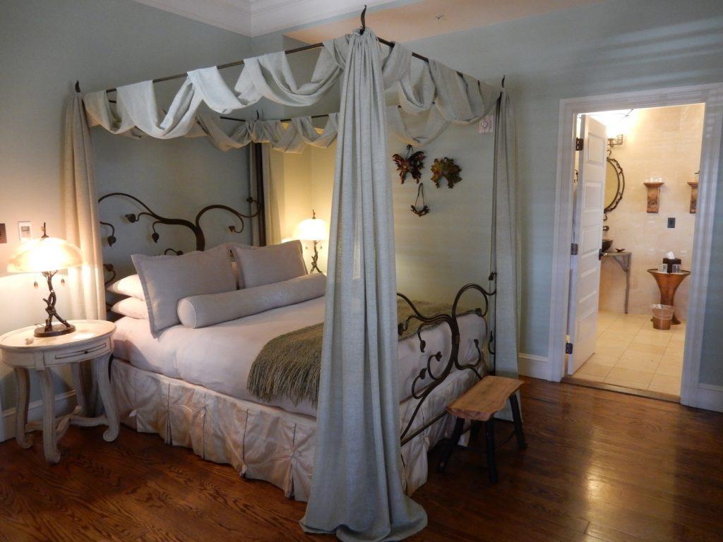 Titania and Oberon Room, Inn Boonsboro MD