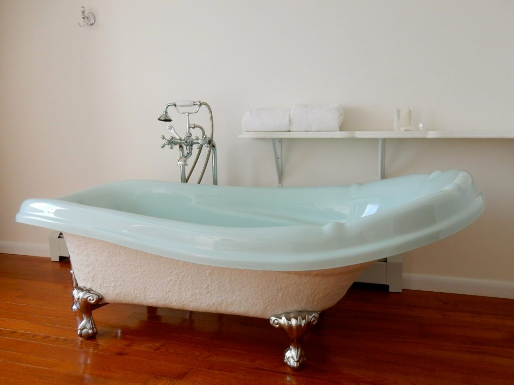 Bathtub, Silver Birches Resort, Hawley PA