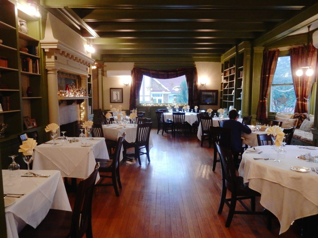 Dining, The Mansion at Bald Hill, Woodstock CT