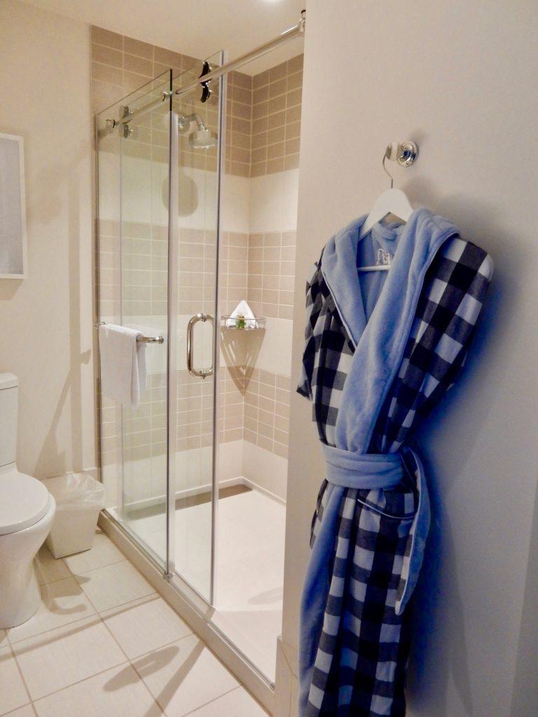 Bathroom Cliff House ME