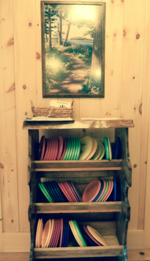 Disc Golf frisbees Migis Lodge