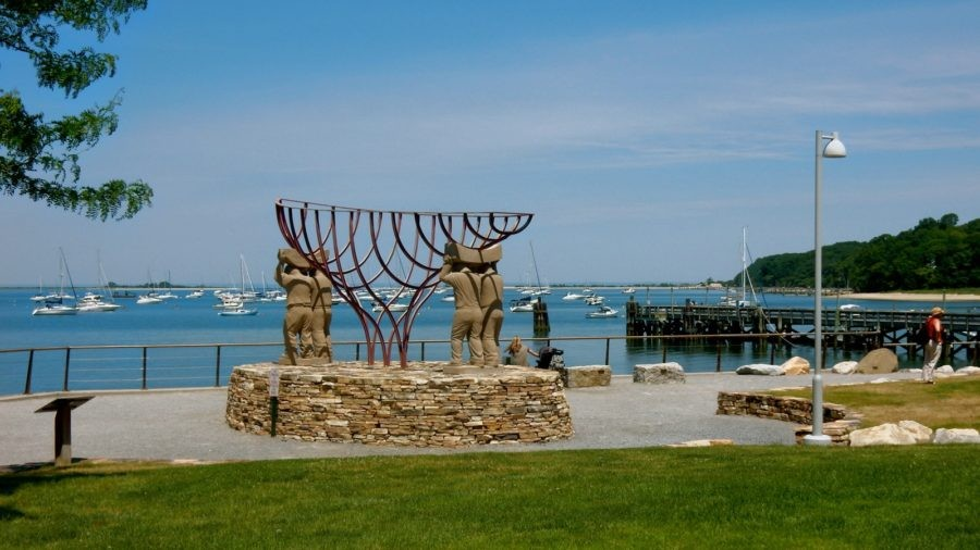 Port Jefferson NY: Commingling Past And Present With Ease