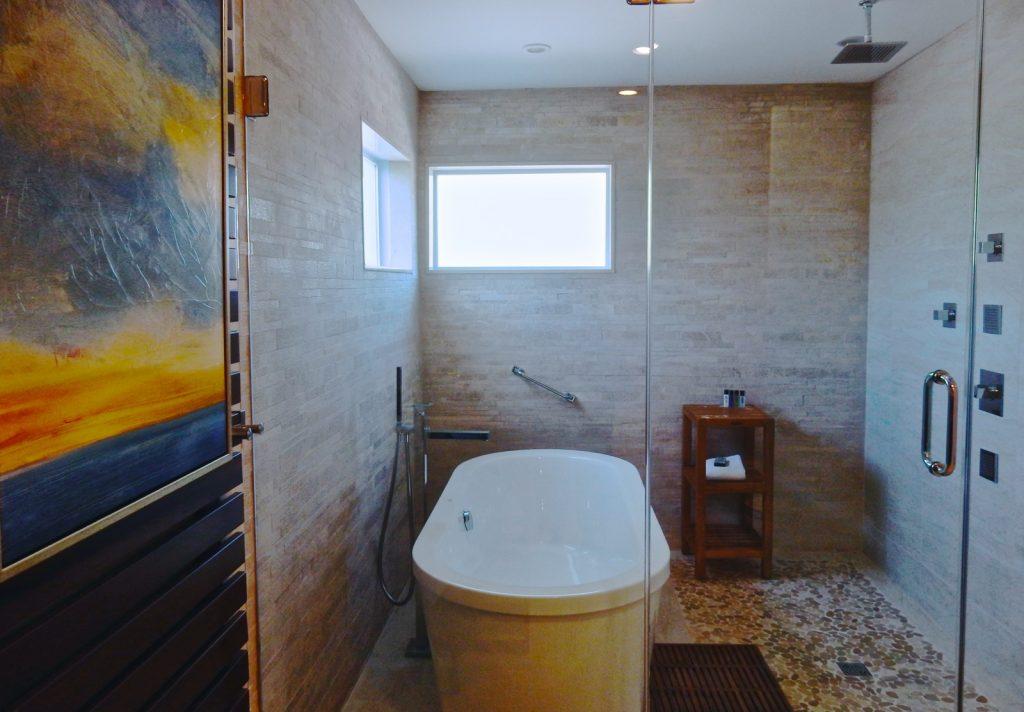 Suite Bathroom, Interlaken Inn, Lakeville CT
