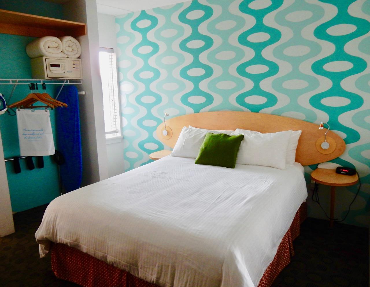 Bedroom Hotel Room In Wildwood Nj